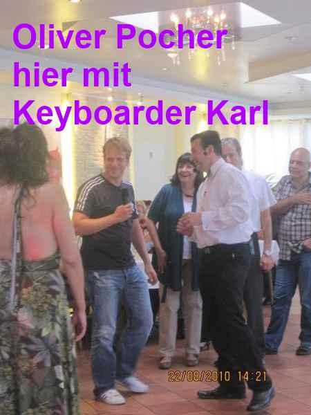 Oliver Pocher und Alleinunterhalter - DJ Keyboarder Karl in der Oliver Pocher Show