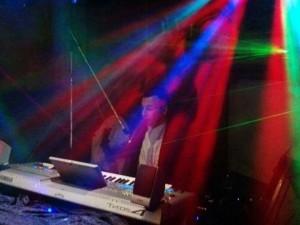 Tv Star Keyboarder Karl Live Foto vom Alleinunterhalter NRW Party Dj Nrw