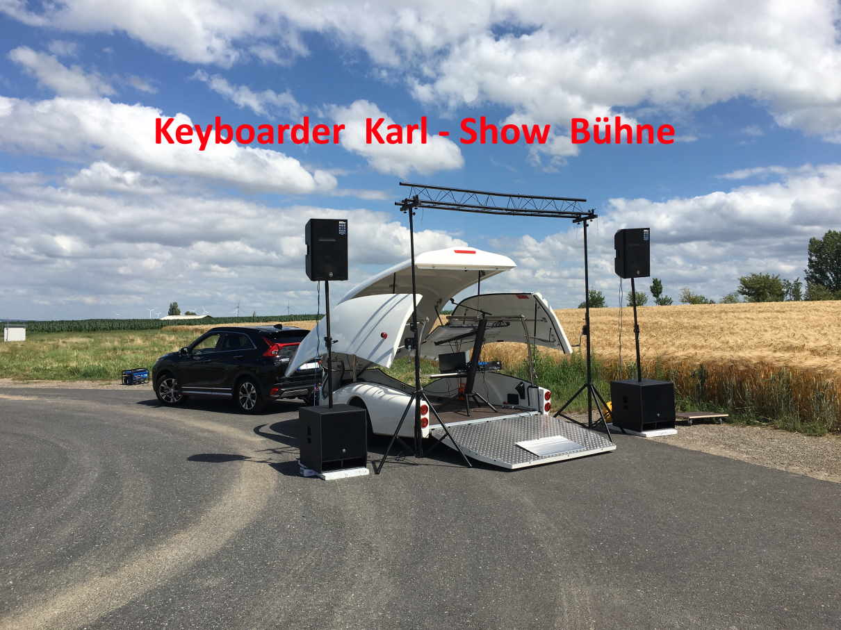 Show Truck Aachen - Keyboarder Karl - Mobile Bühne mit Live Musik und DJ